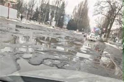 """Житель Горловки обвинил мэра города от """"ДНР"""" в присваивании денег, выделяемых на ремонт дорог"""
