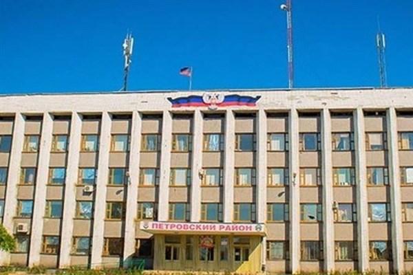 Блогер из Донецка: жизнь в городе кипит, но зарплата 3 тысячи рублей (ВИДЕО)