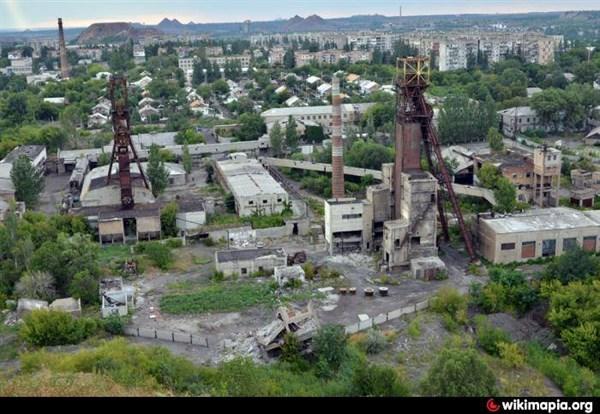 В Горловке вооруженные люди пришли  на закрытую шахту «Комсомолец». Будут резать ее на металл