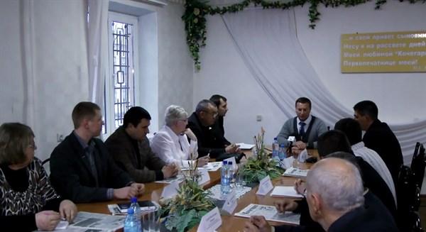 Свобода выбора: в Горловке в формате ток-шоу Савика Шустера обсуждали ситуацию на Евромайдане (+ видео первого заседания дискуссионного клуба)