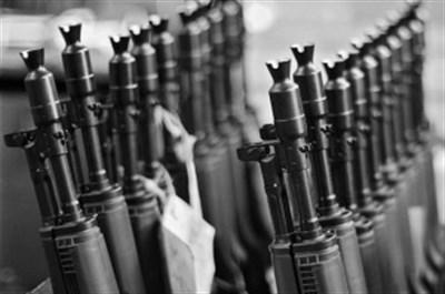 В Горловке предпринимается попытка вывоза оружия с территории исправительной колонии. Начальник – в плену