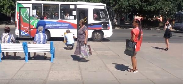 Жизнь в Горловке: закрытые предприятия, безработица, магазины без покупателей, но есть тату-салоны