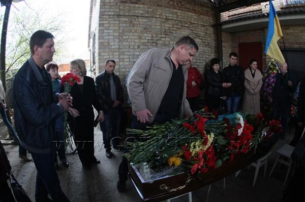«Мы найдем убийц. Сейчас не время для чувств и эмоций», - начальник милиции Горловки обещал наказать виновных в смерти депутата Владимира Рыбака