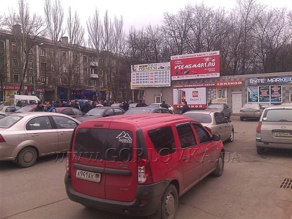 Забастовка таксистов в Горловке:  утром полиция забрала на штрафплощадку более 10 автомобилей