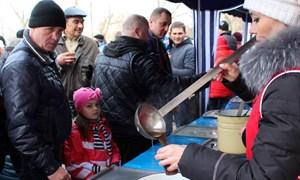 Ударим блинами по морозной тоске: как Горловка Масленицу встречала и провожала