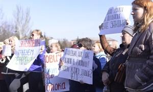 Вспомнили Януковича: митингующие горловчане уже простили сбежавшего экс-президента Украины