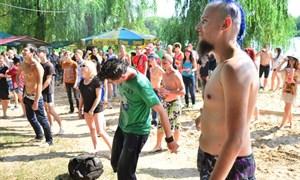 Как «зажигала» Гольма: open air на ставке, фестиваль «ROCK-профилактика» и танцы на песку