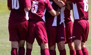 Горловский футбол в эмоциях, мгновениях матча и лицах болельщиков