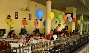 """Поездка в дельфинарий """"Немо"""" и праздничный обед в ресторане """"Бульвар"""" для детей из центра социальной и психологической реабилитации """"Росток"""""""