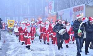Новогодний парад сказочных персонажей 2012