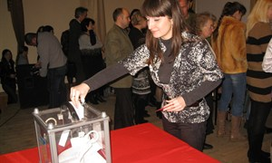 В Горловке переизбрали нового-старого руководителя иняза (15 февраля 2013 года)