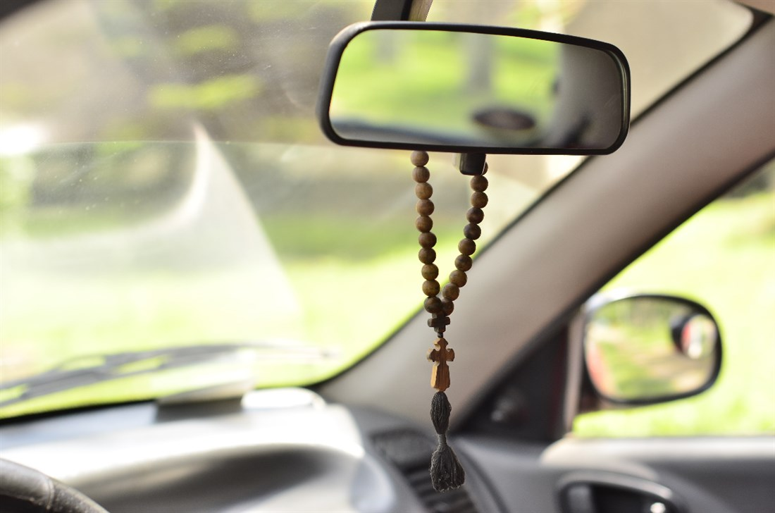 В машину на зеркало своими руками 53