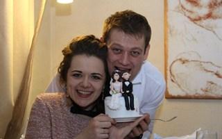 Как провели медовый месяц похудевшая студентка Горловского  иняза  Настя Бухалда и ее избранник Юрий Мельник? (ВИДЕОПРИЗНАНИЯ)